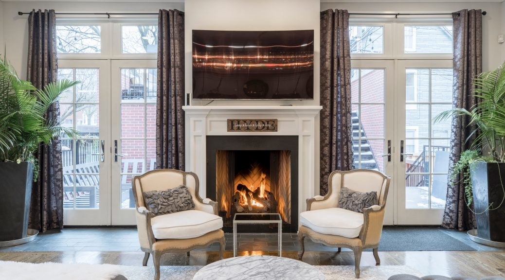 chairs-inside-living-room-2343466